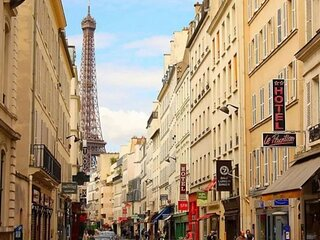 60m2 SUNSHINE APARTMENT BEST OF RUE ST DOMINIQUE–HOTTEST STREET IN 7TH