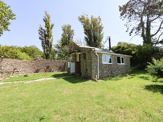 WASHINGPOOLS, sleeps 2, stone barn, close to the beach, West Bexington