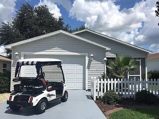 Immaculate 2/2 Patio Villa Close to Sumter Landing with Golf Cart!