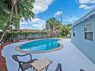 3/2 Pool House in Davie