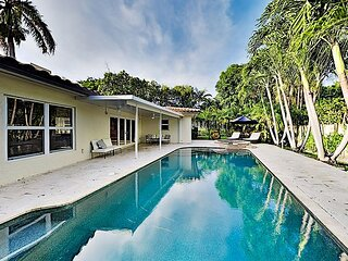 Chic Tropical Retreat | Private Heated Pool, Hot Tub | Walk to Beach & Dining