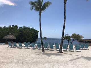 PRIVATE BEACH OPEN!! Two Spacious 2BR/2BAs for 12, Pool, Parking