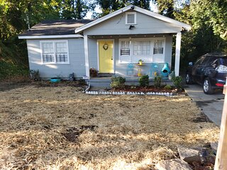 Cozy ATL bungalow near all downtown attractions: Discounts 4 long stays