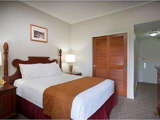 Maui Beach Hotel - ADA Standard Room One Queen Bed