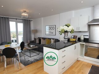 Stylish 2Bed/2Bath Flat with FREE secure parking