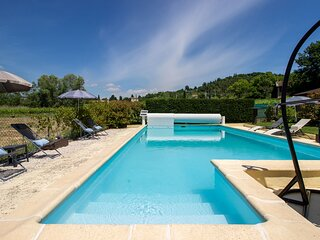 Lush Villa in Gargas with Private Swimming Pool