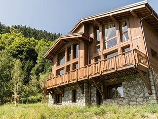 Nice chalet with fireplace in Megeve, 1,5 km. from ski slope