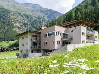 Enticing Apartment in Zwieselstein with Skiing Nearby