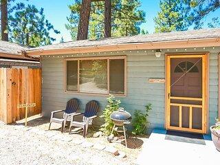 Cottage 7 Kodiak Bear  Air Conditioned Pet Friendly