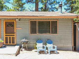 Cottage 6 Black Bear  Air Con Pet Friendly Convenient Location