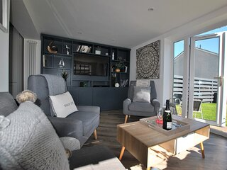 Driftwood- bright and modern family home, Crail