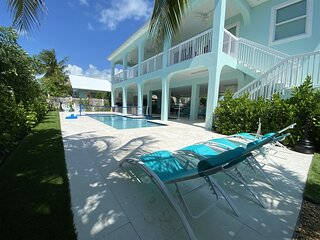 Blue Paradise 5bed/5bath brand new construction with private pool