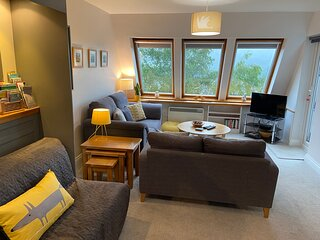 Ambleview - with panoramic fell views and private parking in central Ambleside