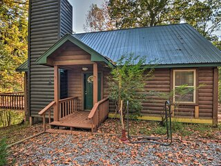 Secluded Log Cabin on Self Mountain w/Deck & Views