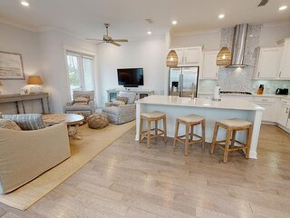 Prominence on 30A ✺ Kelly's Cabana ✺ Golf Cart Included! Pet Friendly!