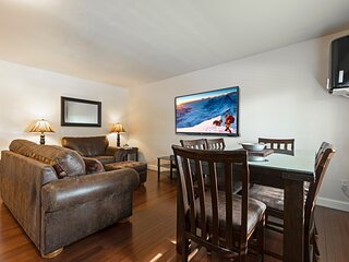 2 bedroom condo in Downtown Whitefish, Close To Glacier Park, Skiing And Golf