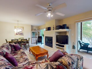 Sea Colony Tennis 1st-floor condo with tennis court & basketball court