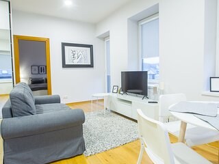 Bright one bedroom apartment in old town