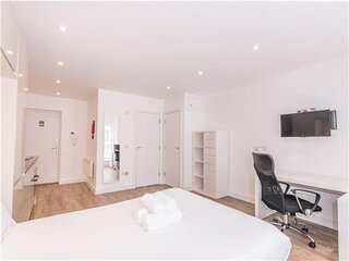 Convenient and cosy, central modern studios