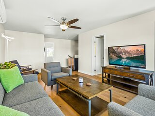 Two stunning condos near downtown w/ firepit, rooftop deck, & sunset views!