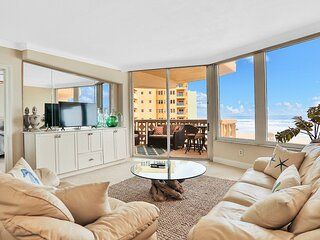 Oceanfront condo with shared pool, central AC, & ocean view - snowbirds welcome!