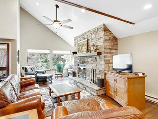 Riverfront retreat w/ private balcony, shared pool, tennis courts, & free WiFi!