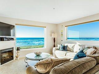 Oceanfront oasis w/scenic balcony, beach access, free WiFi, fireplace - dogs OK