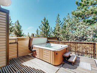Welcoming, family-friendly home with private hot tub - near lake and mountains!