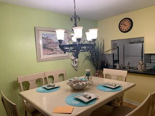 Fairfield Bay, Arkansas 2br furnished condo