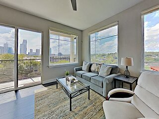 Downtown Penthouse with Skyline Views, Walkable Locale
