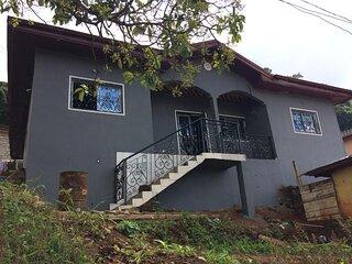 Villa neuve à louer (Chefferie Mbankolo) Yaoundé