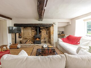 Travellers Joy is an exquisite Grade II listed cottage.