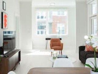 Kasa | Atlanta | Luxurious 2BD/2BA Buckhead Apartment