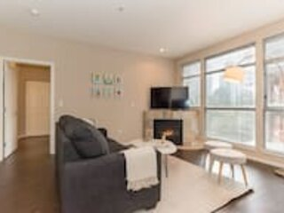 Kasa | Bellevue | Luxurious 2BD/2BA Apartment, holiday rental in Bellevue