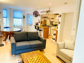 Shellseekers Family Holiday Home, Newly Updated for 2021, Ventnor Beach