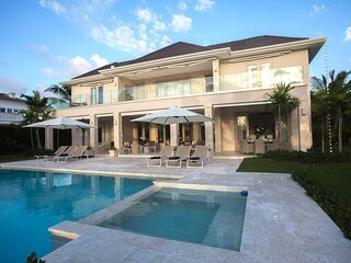 Alluring And Refined Villa With Golf Views In Secluded Area - DOM046