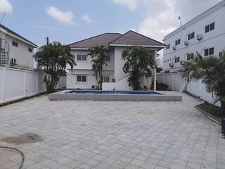 Fully furnished 6 bedroom house