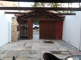 Casa agradável no centro de Praia do Forte