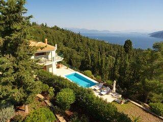 Matsoukata Villa Sleeps 7 with Pool and Air Con - 5873688