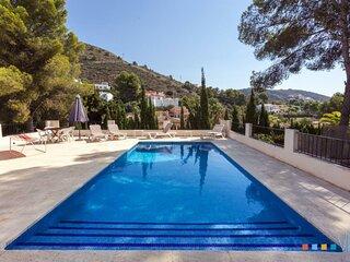 CARMEN - Villa rústica con piscina privada a 800 m de la playa El Portet Moraira