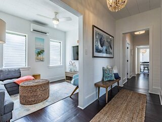 ELLA VARELA - Beautiful Conch Cottage Conveniently Located in the Heart of Key W