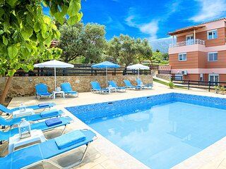 Aqua Mare Villa Heated Pool