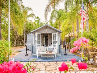 NEW! Hilltop, Tiny Home in Temecula's Wine Country