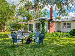 NEW! Next to Flagler College, Walk to Shops, Restaurants, Bars, PARKING, Book fo