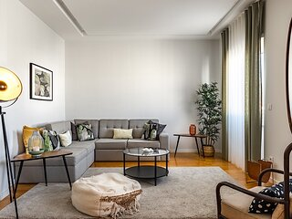 Mastic Green Apartment, Amoreiras, Lisbon