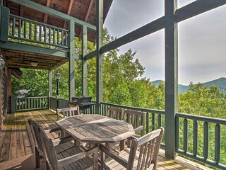NEW! Expansive Sky Valley Lodge w/ Mountain View!