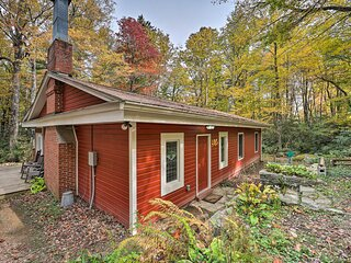 NEW! Upper Creek Cabin: 7 Miles to Linville Falls!