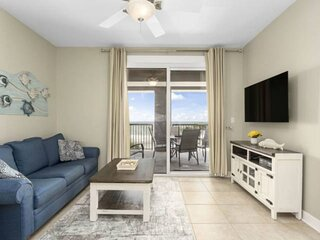 NEW LISTING: 2br Gulf View Balcony FREE Beach Chair Service, Heated Pool, FREE W