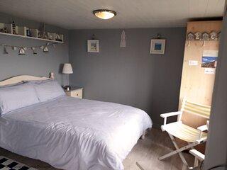 375 Sunnymeade Studio Apartment