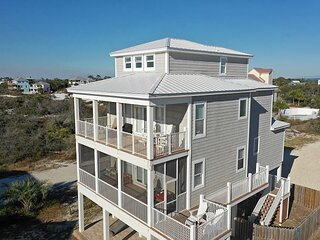 Spacious Gulf View, 110 steps to the gulf, elevator, beach gear included!